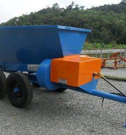 Distribuidor de calcário e fertilizante - adubo orgânico e químico