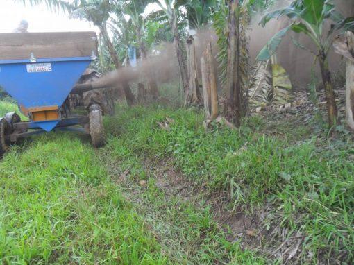 Esparramadeira de calcário e fertilizante